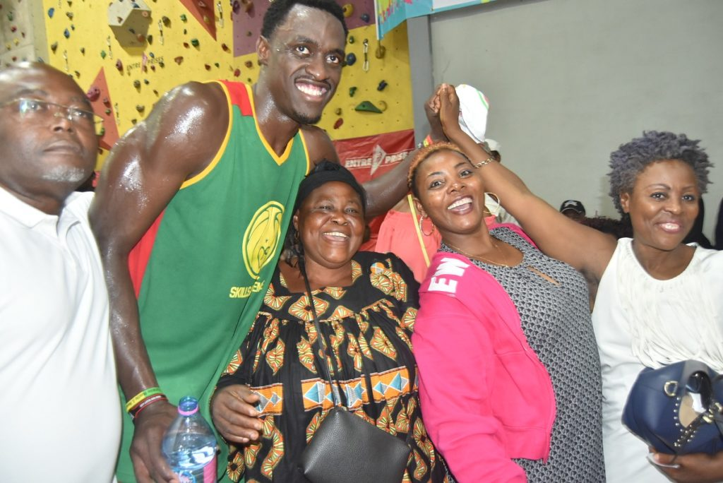 Pascal Siakam et ses parents